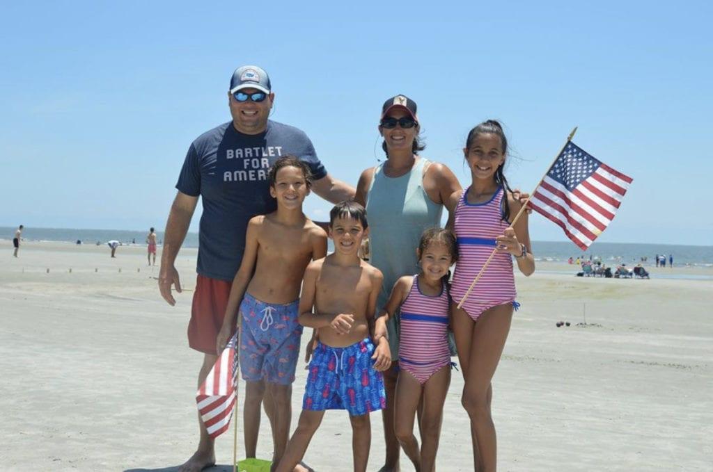 SFTS_2020_Insta_Social_Beach_Family