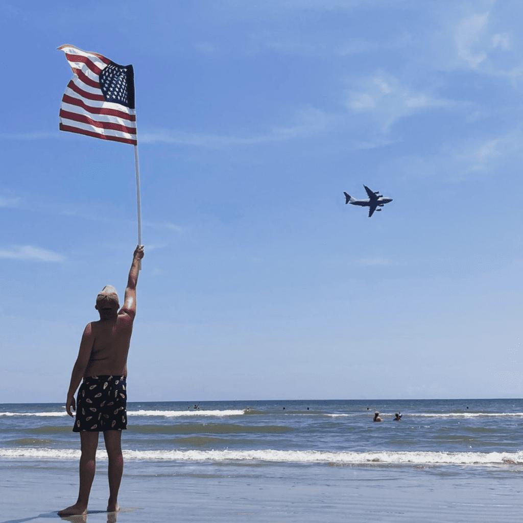 SFTS_2020_Insta_Social_Beach_Plane_Flag_Man