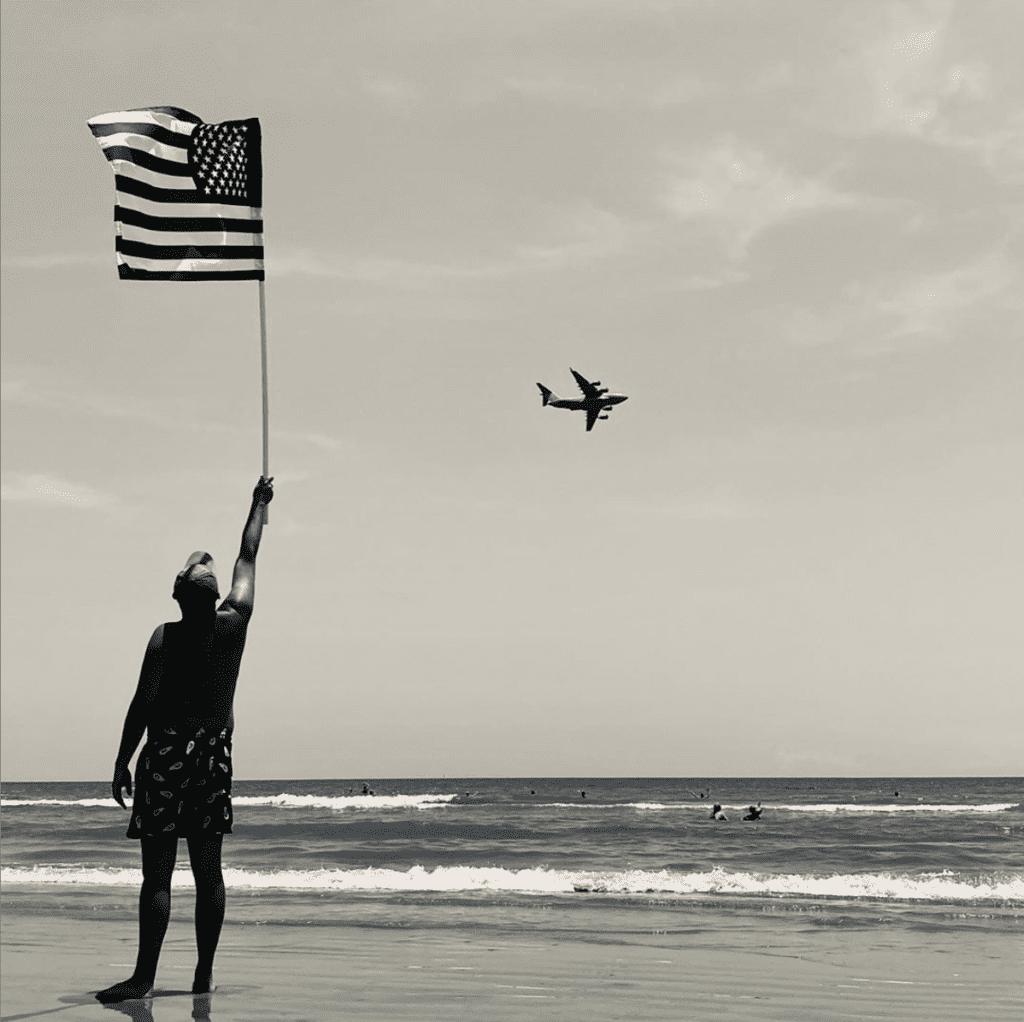 SFTS_2020_Insta_Social_Beach_Plane_Flag_Man_Sepia