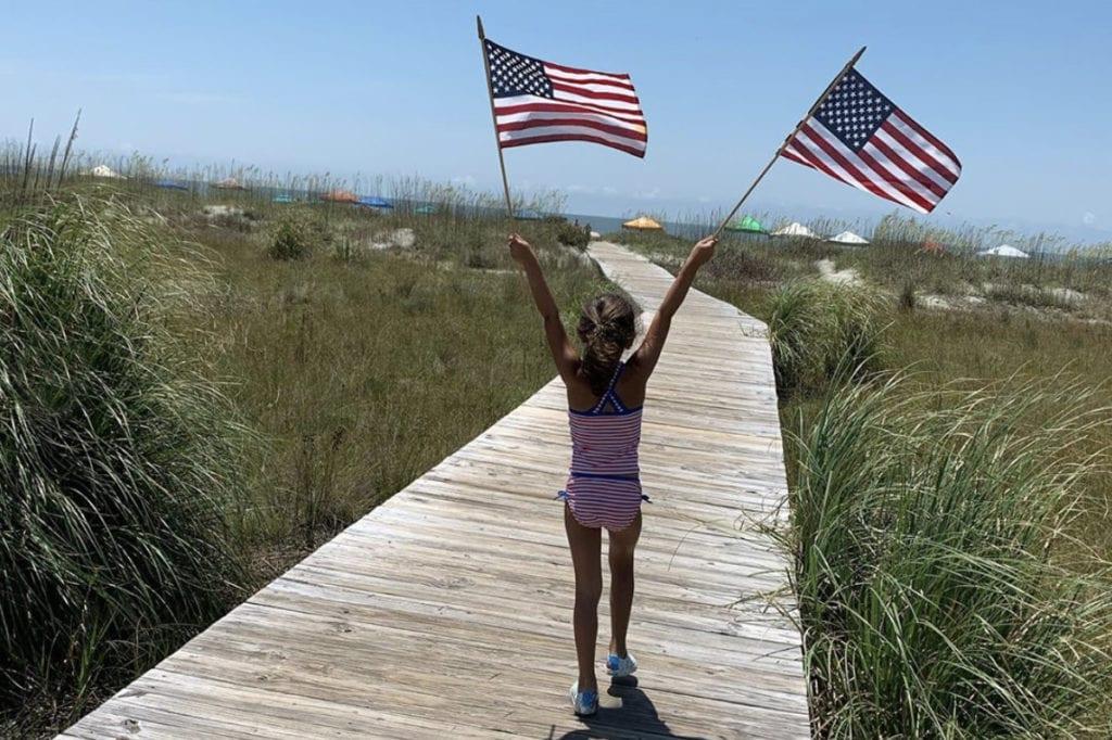 SFTS_2020_Insta_Social_Boardwalk_Girl_Flag